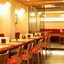 <b>八ッ橋茶屋 祇園店</b><br>八坂さんから阪急河原町駅などにむかわれるなら、祇園店がおすすめです。特選抹茶パフェの看板が目印です。
